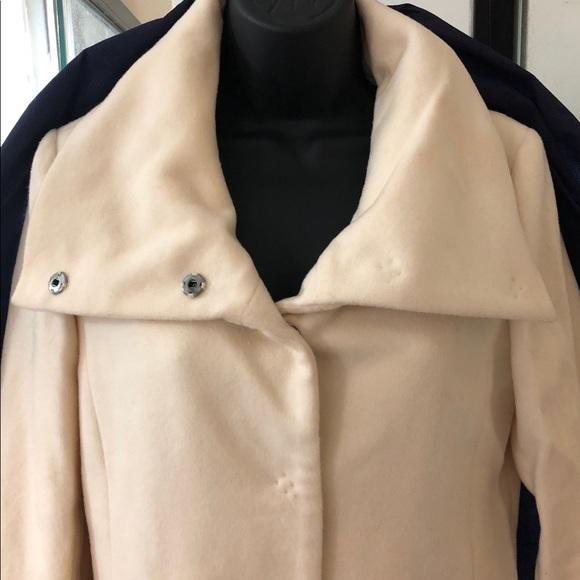 pretty and colorful latest sale 60% cheap Gap cream winter coat (New) NWT